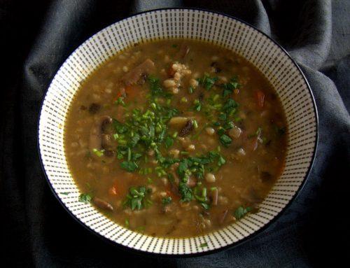 Krupnik (sopa de cebada con champiñones)